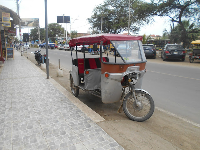 Moped tuk tuk