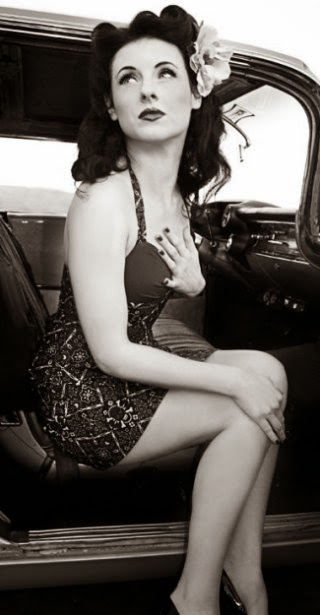foto vintage de mujer al estilo Pin up