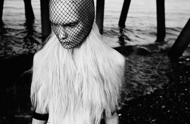 New Wave Women's Editorial the Other Side of the Thames