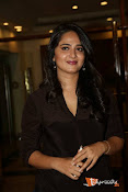 Anushka at Rudramadevi Pressmeet-thumbnail-4