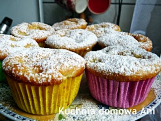 http://kuchnia-domowa-ani.blogspot.com/2013/06/muffinki-z-rabarbarem.html