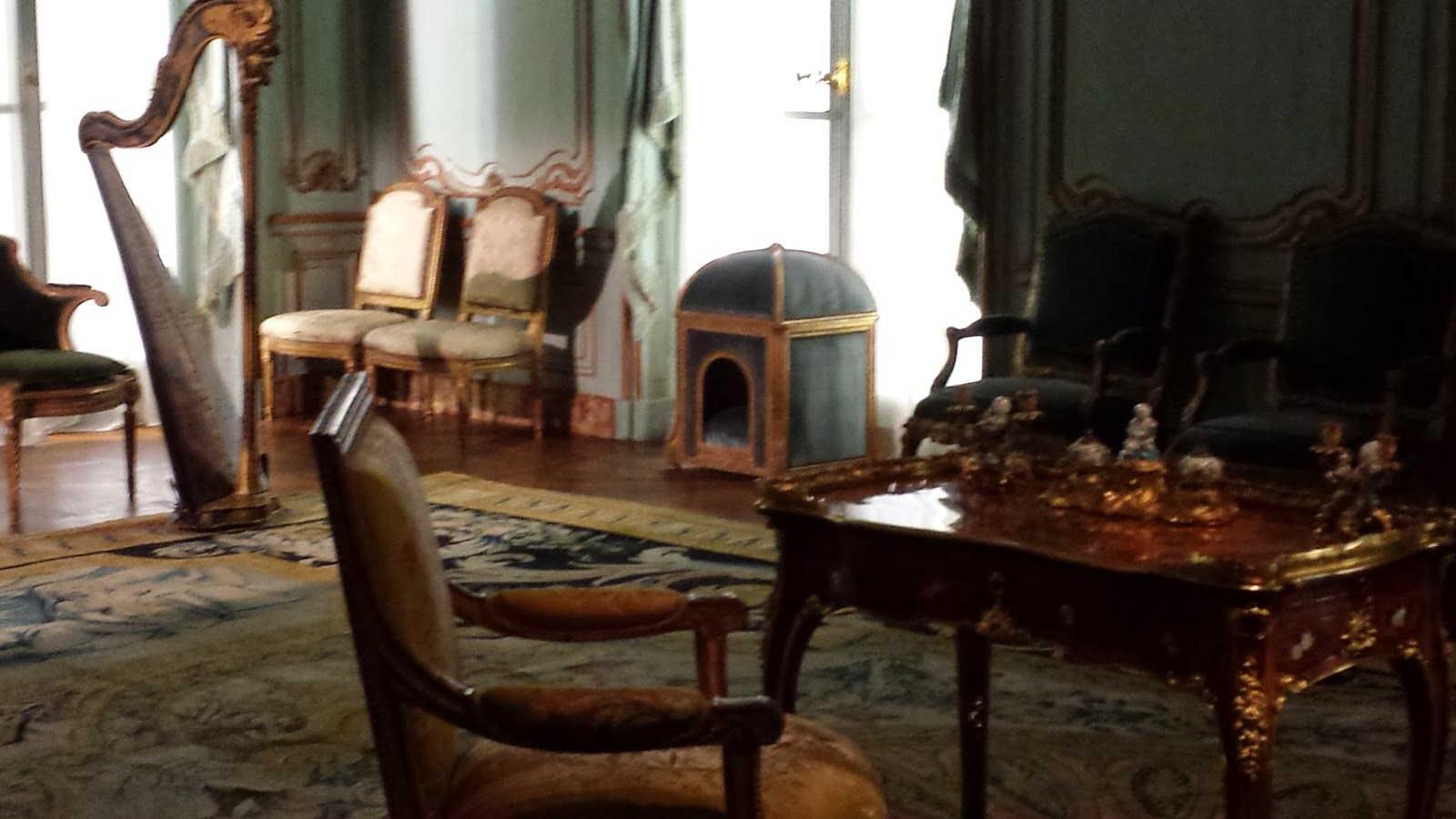 A close up of marie antoinette's dog house