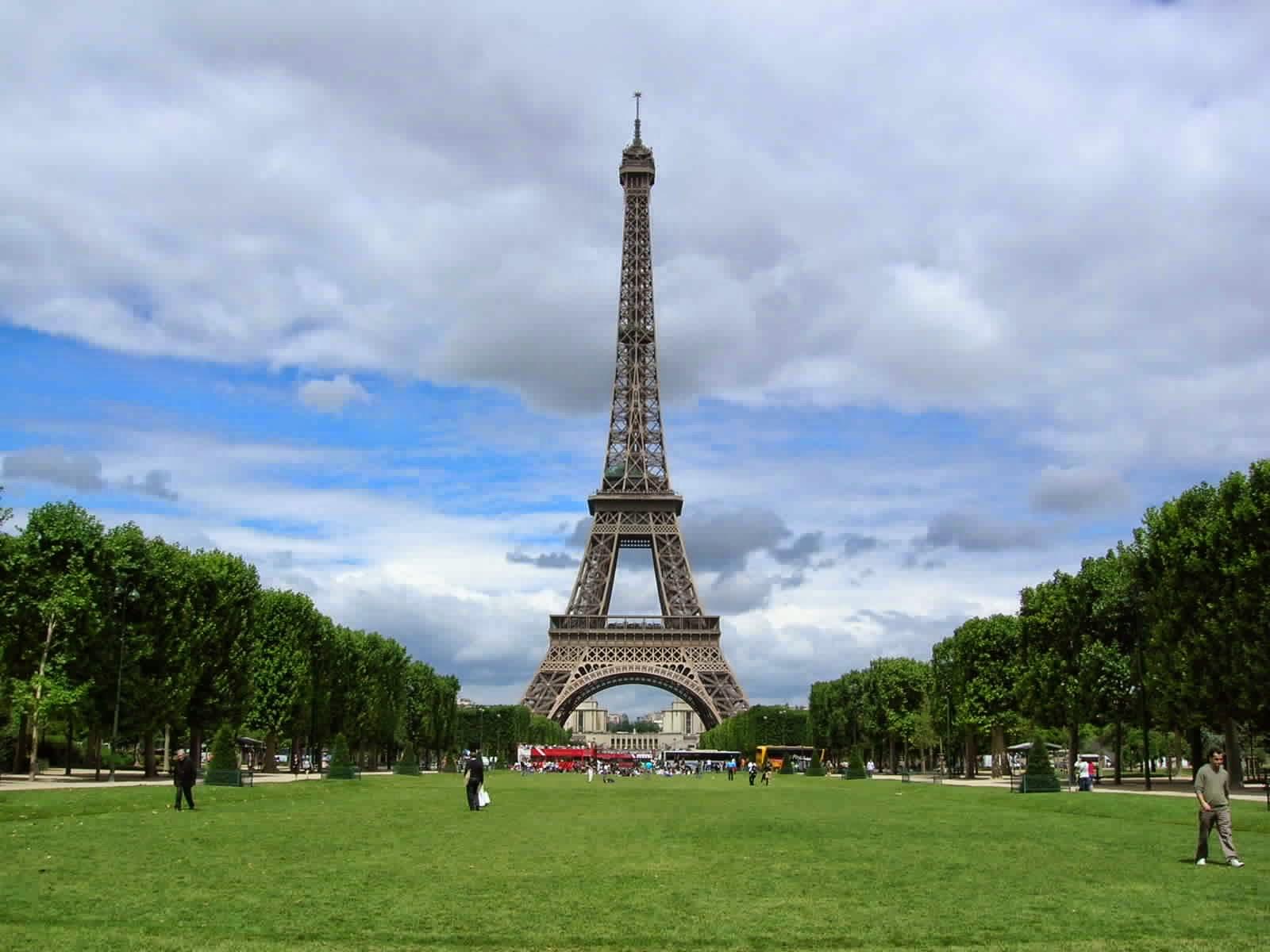 Beautiful Eiffel Tower أجمل عشر صور لبرج إيفل الفرنسي مجلة فراولة