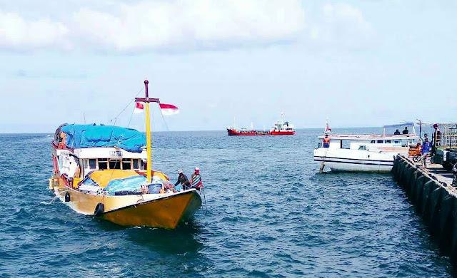 Menikmati Suasana Indahnya Pelabuhan Batu Gulok