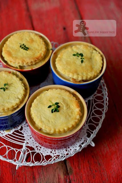 Light creamy healthy yogurt chicken pot pie