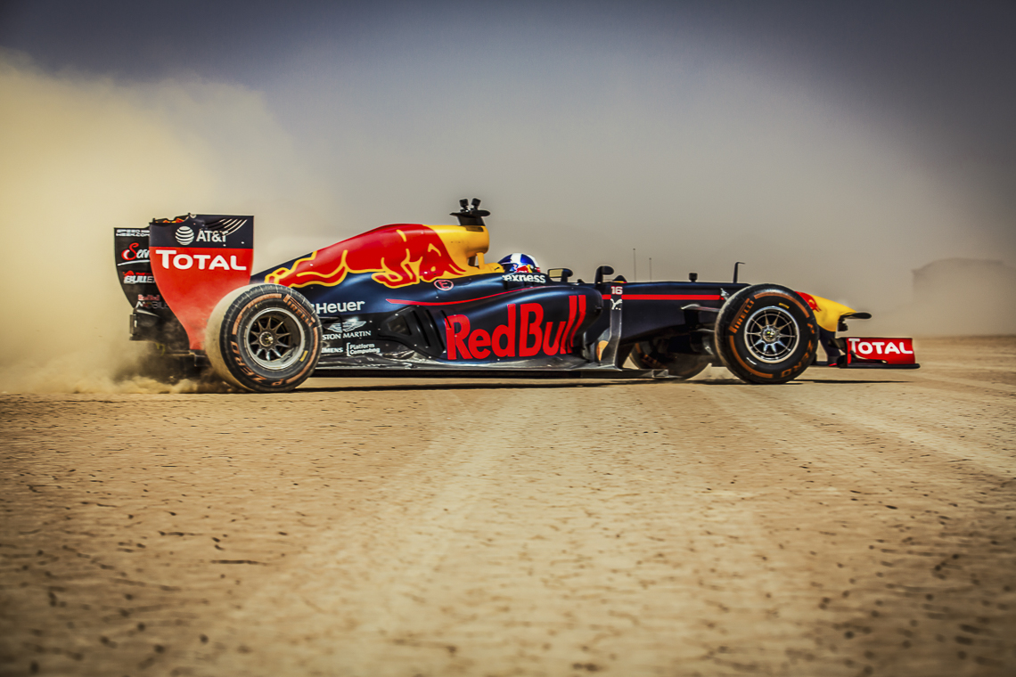 david coulthard takes red bull racing formula 1 off roading through jordan. Black Bedroom Furniture Sets. Home Design Ideas