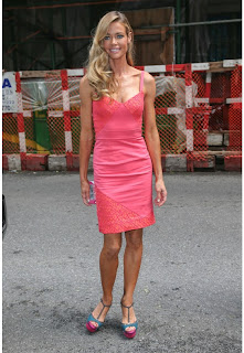 Denise richards vestido rosa