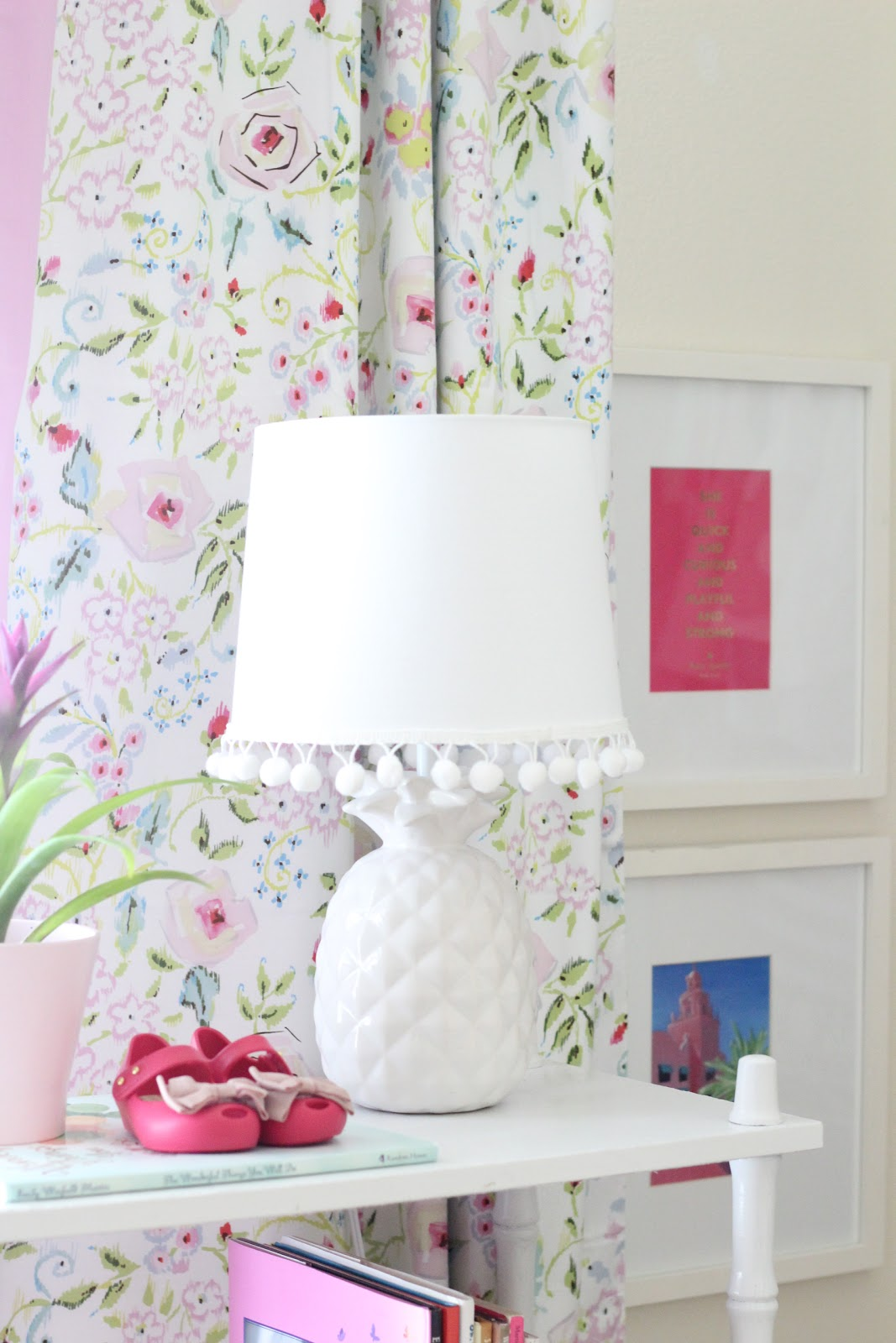 Life with a Dash of Whimsy: DIY Pom Pom Lamp Shade