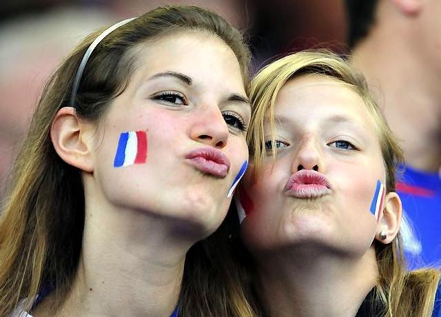 صور مشجعات فرنسا مثيرة وساخنة