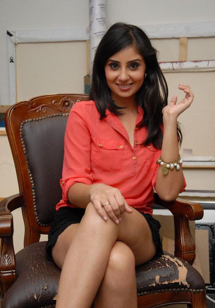 Pretty Bhanu sri mehra hot stills in lace micro mini shorts