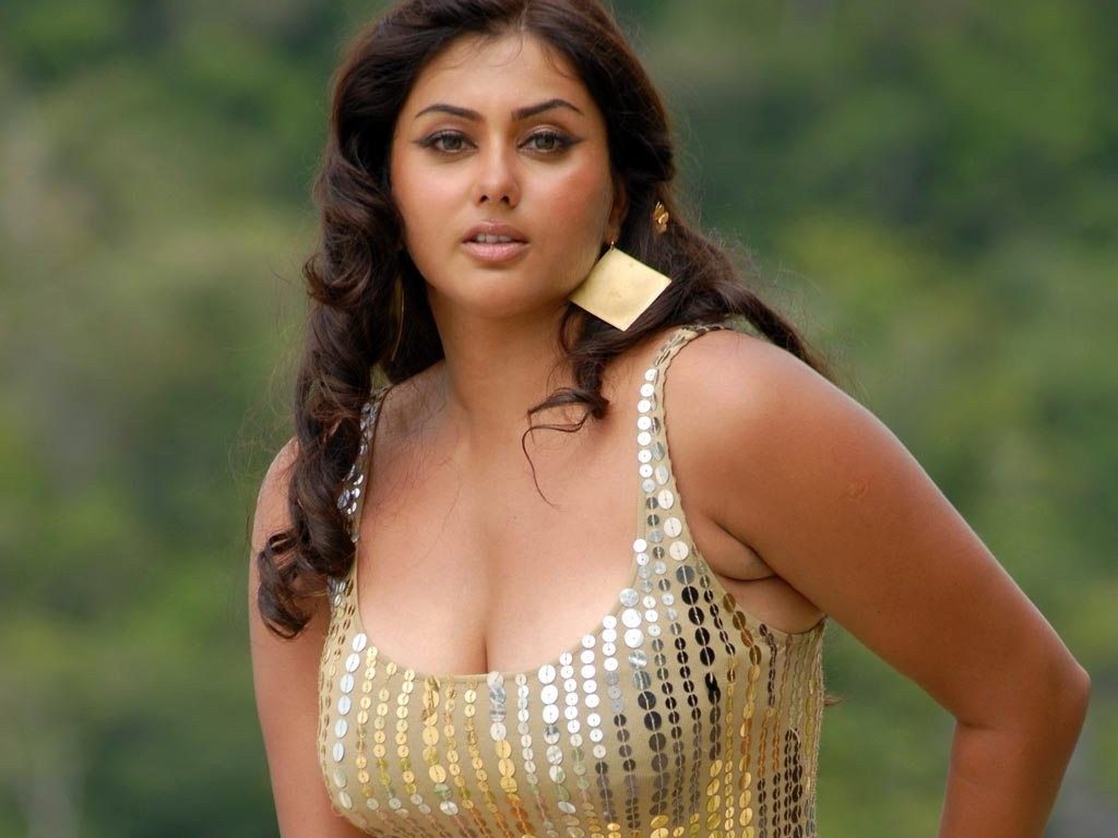 namitha hot actress hd wallpapers