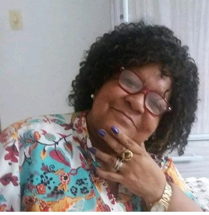 Morre a comunicadora Helena Leite