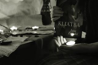 Jana Pronská- Kliatba, recenzia