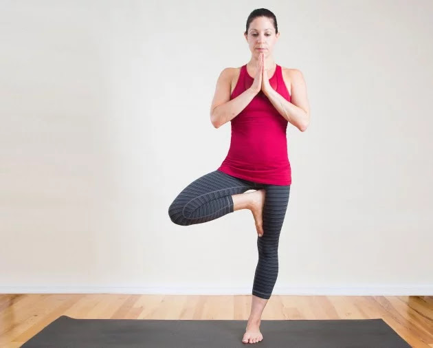 Cải thiện tật gù lưng chỉ với 10 phút tập luyện 6 tư thế yoga này