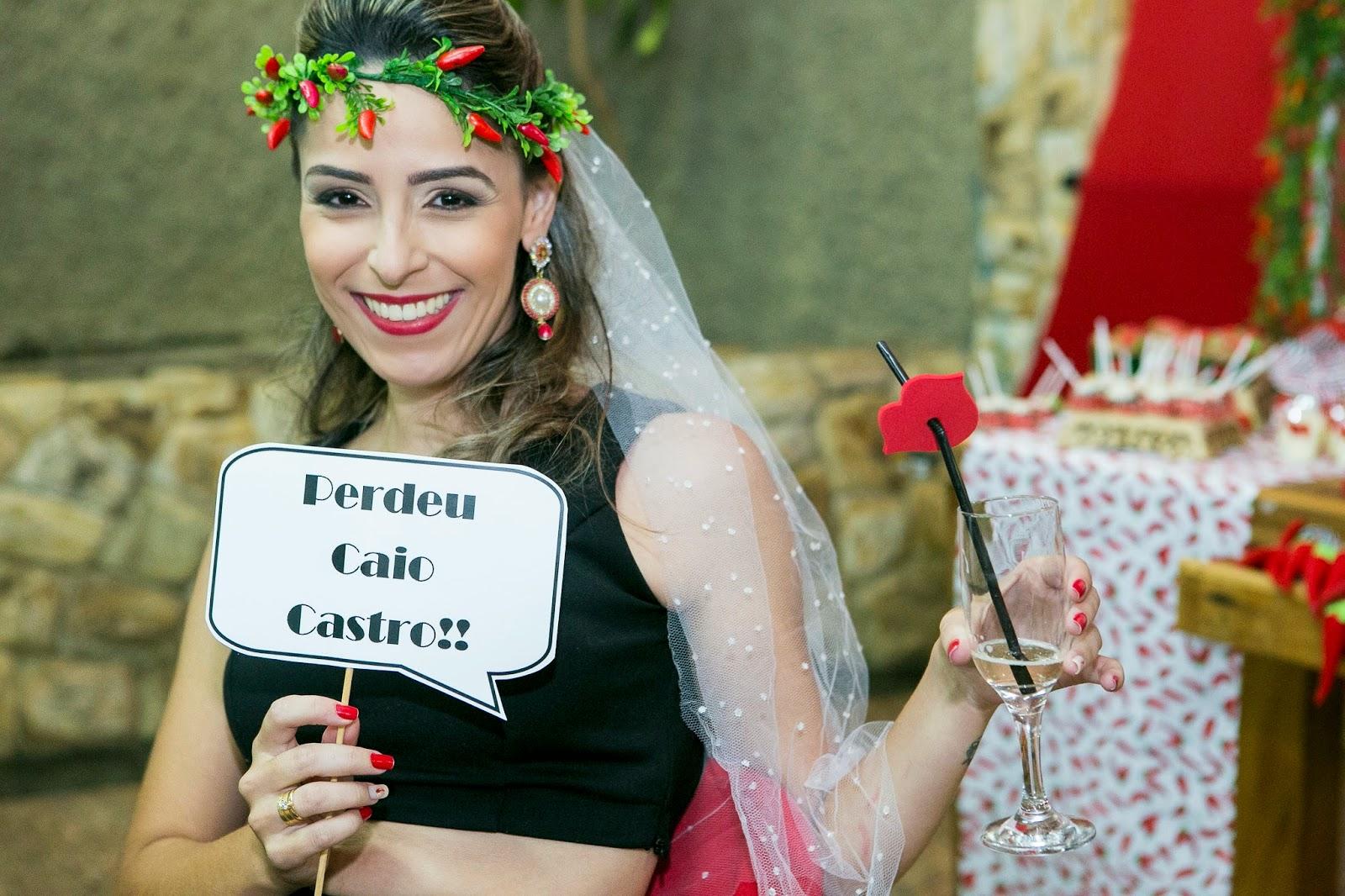 cha-lingerie-picante-tema-pimenta-photobooth-noiva-coroa-pimenta