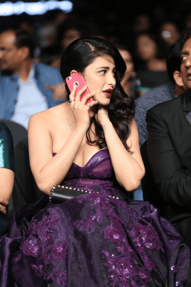 sruthi hasan hot images