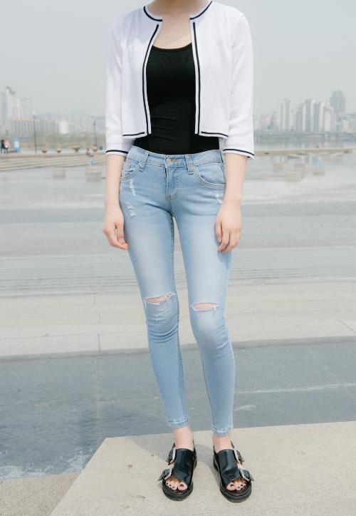 Contrast-Trim Short Knit Cardigan