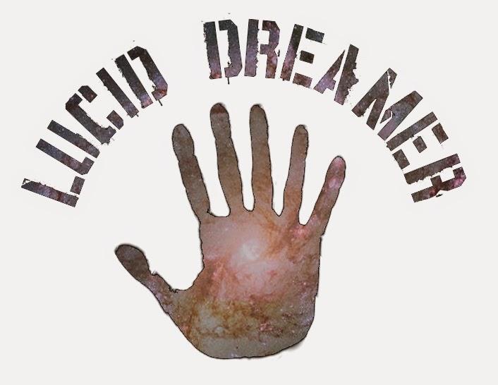 Schriftzug 'Lucid Dreamer' mit Bildern aus dem Weltall