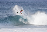 38 Kelly Slater Billabong Pipe Masters foto WSL Damien Poullenot
