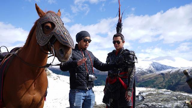 ม้าเซ็กเธาว์ ผู้กำกับ และ ลิโป้ (กู่เทียนเล่อ)