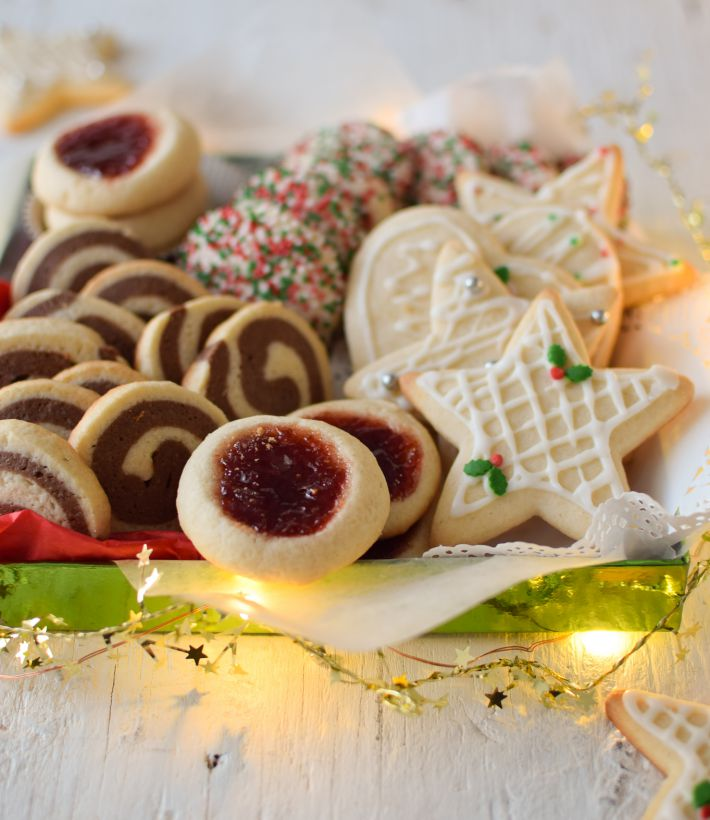Caja de galletas de azúcar: decoradas, confetti, espiral, con mermelada