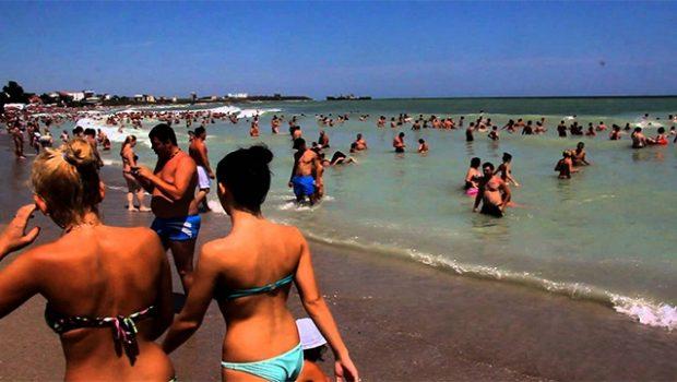 """E' ufficiale: """"In spiaggia sarà presto VIETATO per tutti e in tutta Italia"""". Multe fino a 300 euro."""