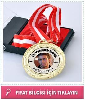 En Yakışıklı Erkek Madalyonu