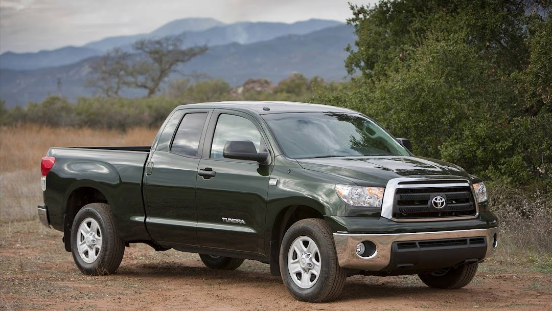 Toyota Pickup Truck HD Wallpaper