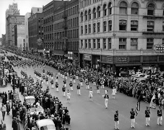 Memorial-Day-Image-Parade-In-Olddays