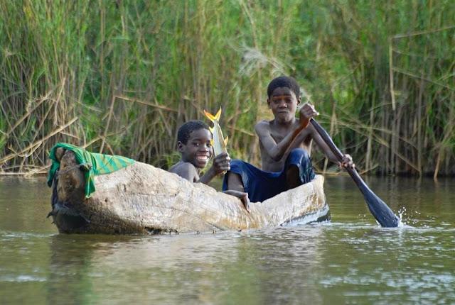 UNDER AFRICAN SKIES: MET DE 4X4 DOOR NAMIBIË (3): ETOSHA - CAPRIVI STRIP