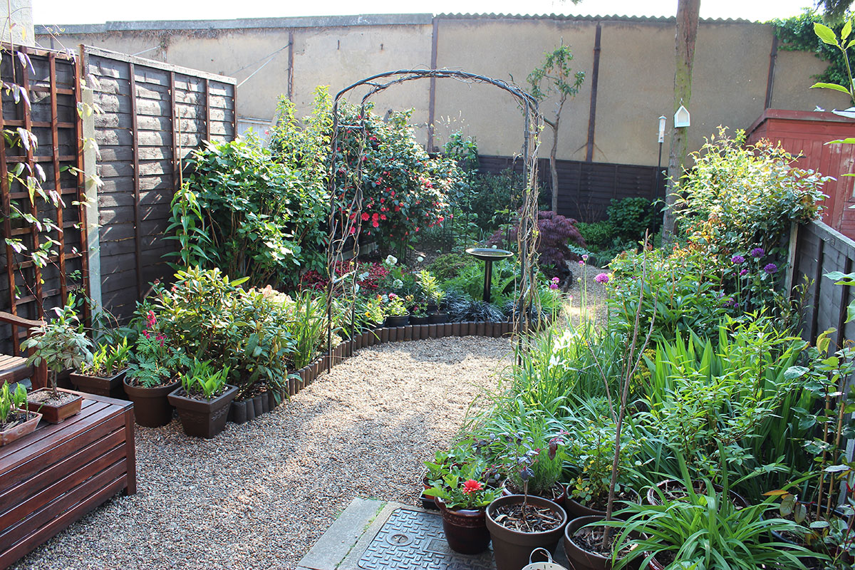 Designs For Small Gardens Without Grass | home 4 garden on Backyard Ideas Without Grass  id=81522