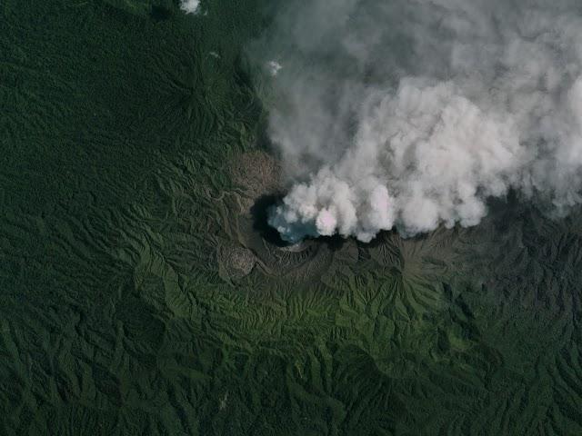 इंडोनेशिया का डुकोनो ज्वालामुखी