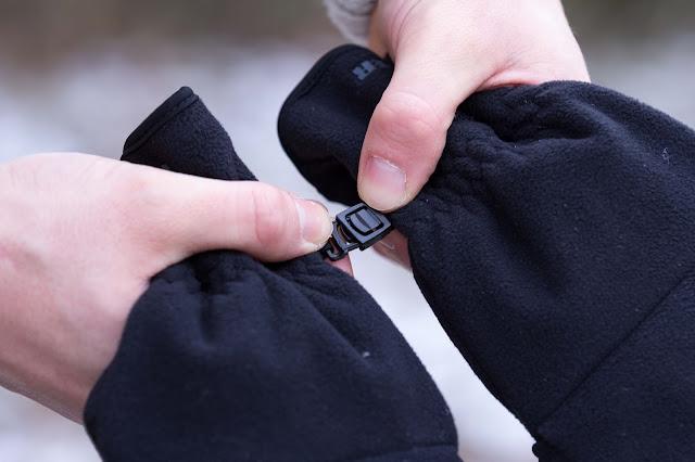 Steckverbindung der Funktions-Handschuhe