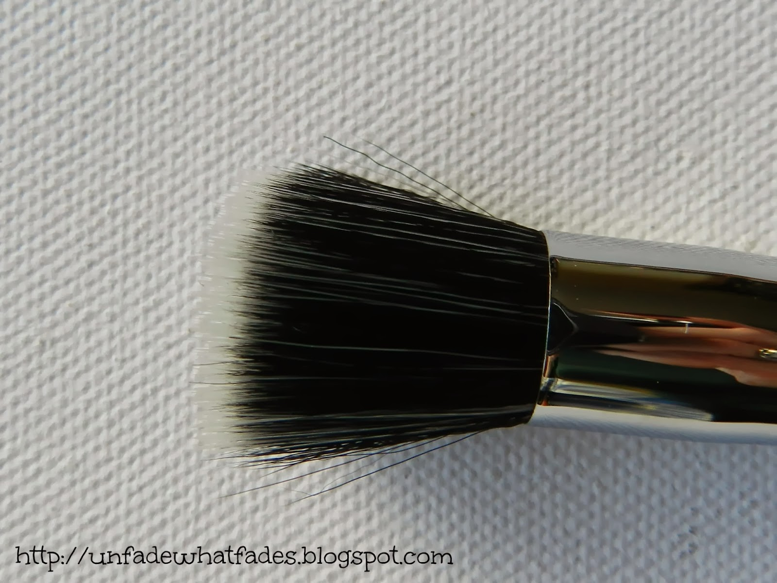 Unfade what fades: Zoeva #122 Petit Stippling Brush review ...