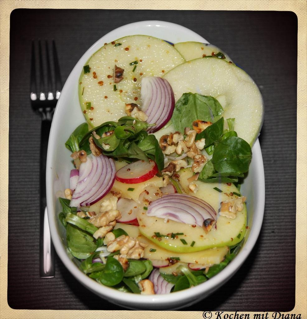 Feldsalat mit Emmentaler und Honig-Senf-Dressing