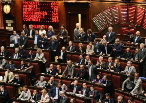 I democratici per casola con la fiducia numero 50 passa for Numero deputati alla camera