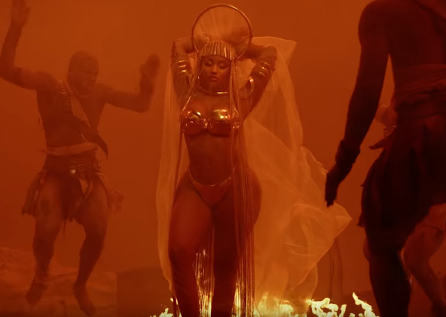 Video: Nicki Minaj - Ganja Burn