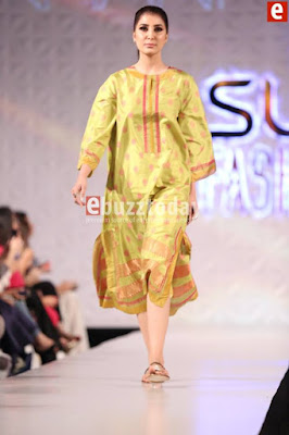 Misha-lakhani-caravan-collection-at-pfdc-sunsilk-fashion-week-2017-7