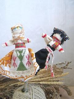 Славянские куклы-обереги: обо всех понемногу (часть 2 ) http://prazdnichnymir.ru/ куклы обережные, куклы славянские, традиции славянские, куклы, поверья народные, магия народная, куклы народные, куклы обрядовые, обереги своими руками, обереги для дома, обереги для семьи, обереги на благополучие, куклы праздничные, рукоделие, творчество народное, культура народная, культура славянская, обереги славянские, куклы своими руками, мастерим с детьми, коллекция, энциклопедия Краткая, Зерновушка, Малненица, Берегиня, Кукла на беременность, Метлушка, Лихоманки, Баба Яго, Столбушка, Радуница, Благополучница, Подорожница, Желанница, Ангел, Жаворонки, Счастье, Ярило, Зайчик-на-пальчик, куклы из ниток, куклы тряпичные, куклы-мотанки, куклы-скрутки,лавянские куклы-обереги — http://prazdnichnymir.ru/ http://deti.parafraz.space/ http://eda.parafraz.space/ http://handmade.parafraz.space/