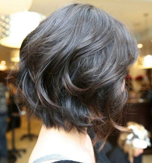 model rambut pendek wanita medium
