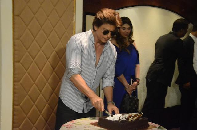 Shah Rukh Khan Birthday Celebrations 2017 Photos