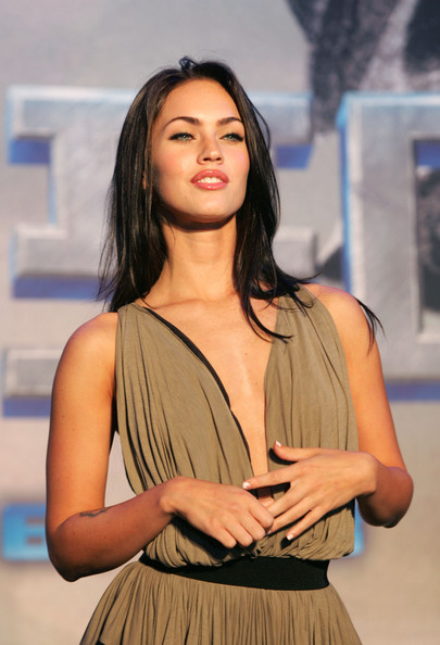 Top 30 Most Popular Megan Fox Hairstyles For Women