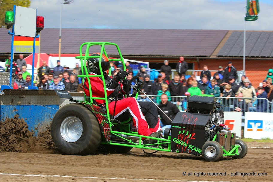 Tractor Pulling News Pullingworld Com Green Scare With New Chassis