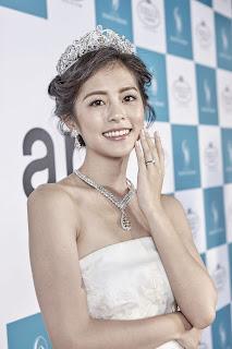 任容萱頭頂2 億鑽石皇冠化身小公主 優雅演繹NEW ART璀璨風華
