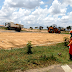 Consórcio e prefeitura de Senhor do Bonfim realizam limpeza na entrada do Conjunto Habitacional Águas Claras