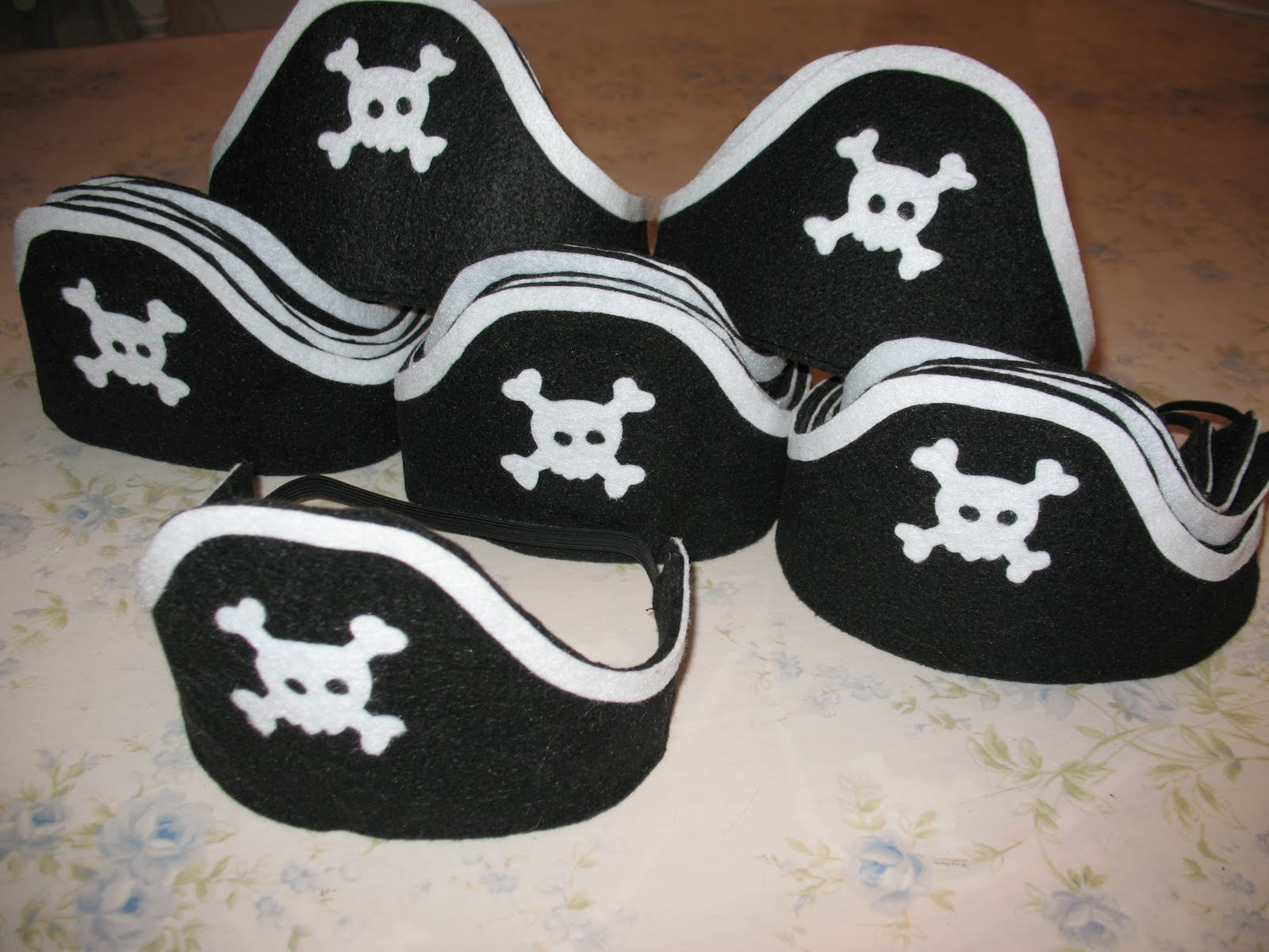 Artsy Fartsy: Felt Pirate Hats