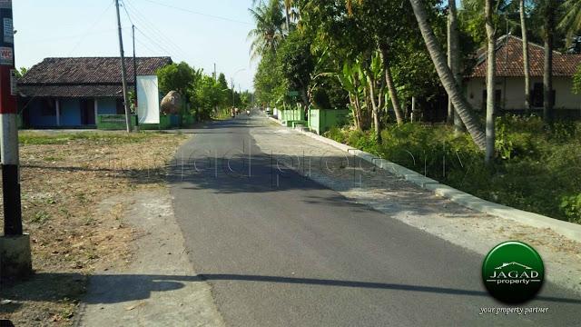 Rumah dekat Stasiun Rewulu Sedayu