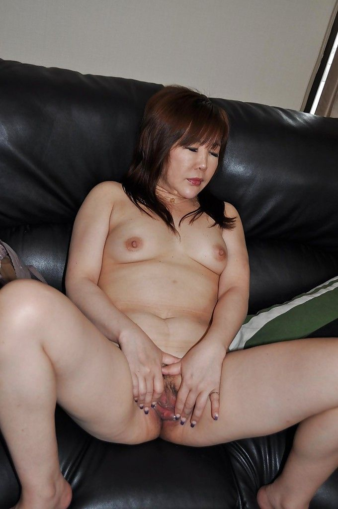 Hot girls first time having sex
