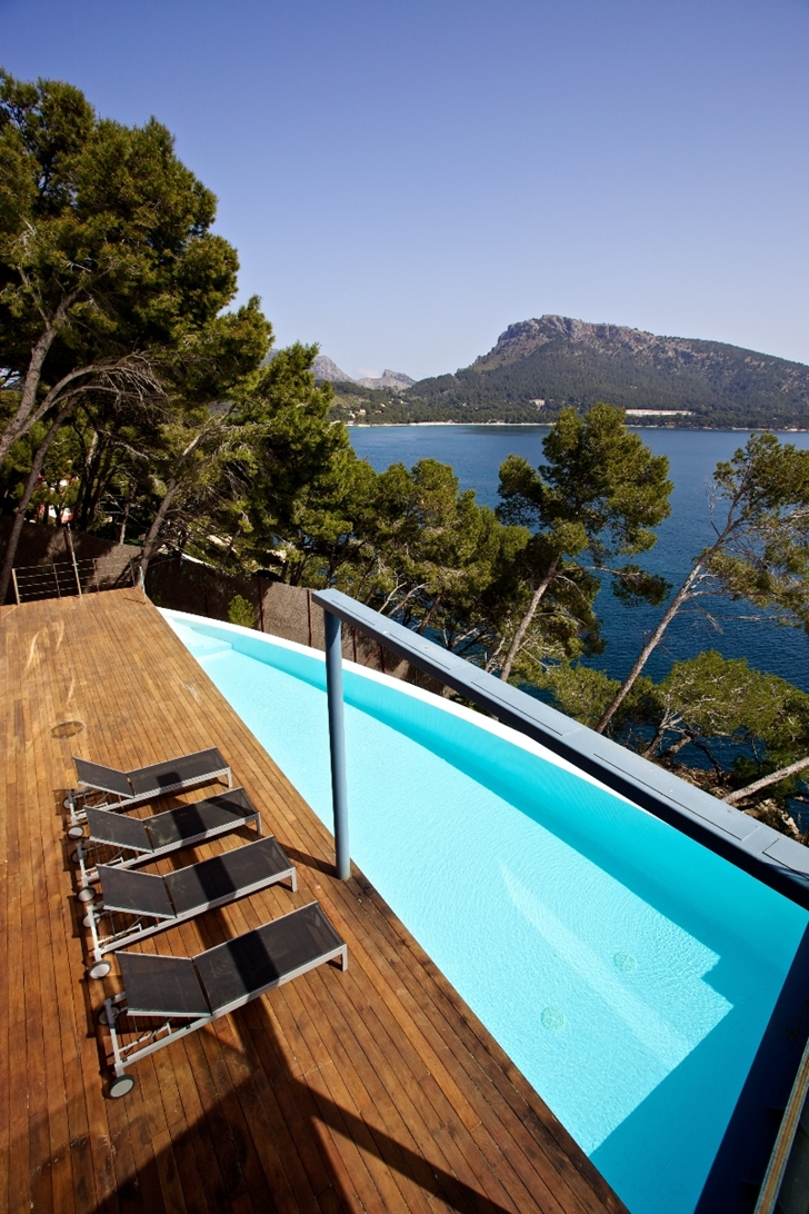 Terrace with swimming pool at the Modern mansion on the cliffs of Mallorca
