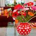 Prosa Riduan Hamsyah - Ia Yang Menaruh Bunga Di Atas Meja